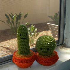 Ravelry: No-Sew Amigurumi Cacti pattern by Michelle Moross . Use as a pin cushion?
