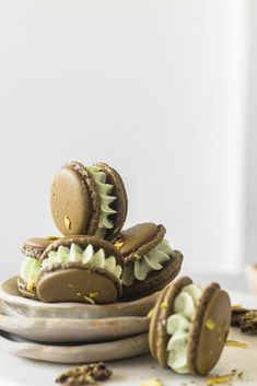 These pistachio macarons are made with oat flour and filled with a scrumptious pista milk boiled milk buttercream frosting. Pistachio Milk, Pistachio Macarons, Oat Flour, Almond Flour, Cake Recipes, Dessert Recipes, Desserts, Strawberry Milkshake, Green Food Coloring