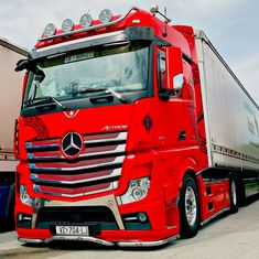 15 Best Trucks In The World [Cool Trucks Pictures] Trucks Only, Big Rig Trucks, Semi Trucks, Cool Trucks, Mb Truck, Semi Trailer Truck, Peterbilt, Volvo, Trailers