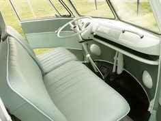 vw bus interior | 1963 Volkswagen Split Window Bus Front Row Interior Photo 4