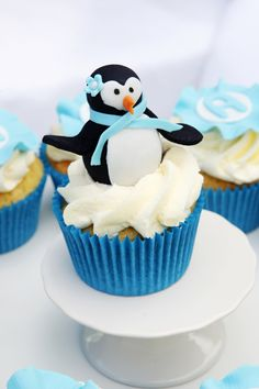How to make a fondant penguin topper   definitely making these for christmas but with some reds and greens!!
