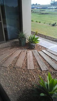 38 Beautiful Side Yard Garden Pathway Design Ideas - All About Garden Unique Gardens, Small Gardens, Beautiful Gardens, Outdoor Gardens, Coastal Gardens, Backyard Walkway, Front Yard Landscaping, Backyard Ideas, Sleepers In Garden