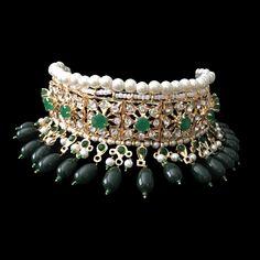 Mahira Choker Set- Emerald – á La Couture Indian Wedding Jewelry, Bridal Jewelry, Gold Jewelry, Beaded Jewelry, Jewelery, Indian Weddings, Fashion Necklace, Fashion Jewelry, Accessories