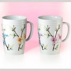 Cutest Tea Cups! Mit schönsten Blumenmotiven und Relief macht diese elegante Tasse jeden Tag etwas luxuriöser #tea #tee #onlineshop #lartea #hot #drink #bestellen #white #flowers #porzelain #cute #luxury #order #shopping #onlineshopping