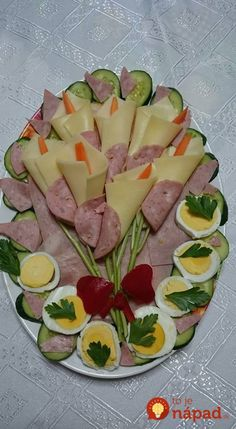 Vegetable Decoration, Food Decoration, Meat Platter, Food Platters, Ladybug Appetizers, Bacon Wrapped Meatloaf, Thai Curry, Food Garnishes, Fish Salad