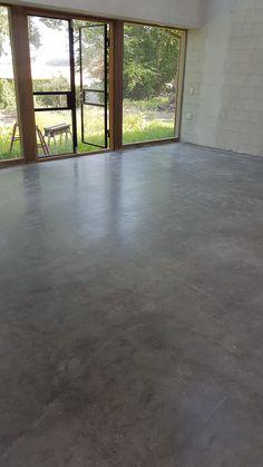 Her er et poleret betongulv udført på Roneklint Basement Remodel Diy, Basement Remodeling, Concrete Kitchen, Concrete Floors, Minimal House Design, Concrete Interiors, Harbor House, Home Upgrades, Stained Concrete