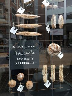 Bakery Store, Bakery Cafe, Bread Display, Pasta Restaurants, Bakery Shop Design, Snacking, Bakery Interior, Bakery Kitchen, Bread Shop