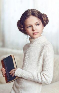 Russian child model Diana Pentovich//