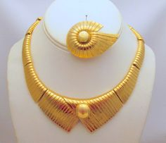 Monet Egyptian Revival Collar Necklace Brooch Gold-tone
