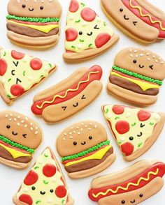Perfect day for a BBQ! Vickie Liu [CookieCutterKingdom Hamburger and Hot Dog Cutters] Perfect day for a BBQ! Vickie Liu [CookieCutterKingdom Hamburger and Hot Dog Cutters] Cookies Cupcake, Fancy Cookies, Iced Cookies, Cut Out Cookies, Cute Cookies, Royal Icing Cookies, Cookies Et Biscuits, Pizza Cookies, Dog Cookies