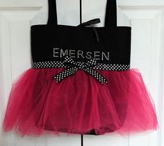 Tutu Dance Bag by Lynette from Get Your Craft On. This would be super cute for a little girl! (like Braylee)