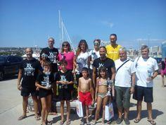 L'equip del Cambrils club natació a la Travessia de Coma-ruga 2014.