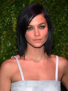Leigh Lezark Medium Layered Cut - Shoulder Length Hairstyles Lookbook - StyleBistro