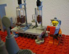 A 'Breaking Bad' LEGO Meth Lab - DesignTAXI.com