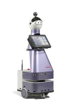 La société Robosoft, basée à Bidart, a développé un robot pour accompagner les personnes dépendantes au quotidien. Vincent Dupourqué, son président et fondateur, présente cette innovation