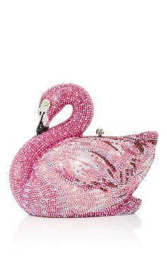 Get the trendiest Clutch of the season! The Judith Leiber Swan Flamingo Minaudiere Pink Beaded Clutch is a top 10 member favorite on Tradesy. Flamingo Decor, Pink Flamingos, Flamingo Gifts, Flamingo Outfit, Beaded Clutch, Beaded Purses, Pink Love, Pretty In Pink, Pink Bird