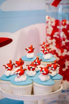 Vintage Airplane Cupcakes  By www.facebook.com/peace.o.cake.cakes
