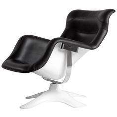 IMM Cologne begins next week, and Artek will be launching a anniversary addition of the iconic Karuselli lounge chair. Originally designed in 1964 by Finnish furniture designer Yrjö Kukkapuro, the original Karuselli lounge chair was over four. Lounge Chair Design, Lounge Sofa, Upholstered Arm Chair, Swivel Chair, Chair And Ottoman Set, Danish Design Store, Nordic Design, Scandinavian Design, Relax