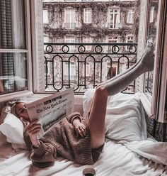 Image about city in Cozy & Relax by blondechanel Foto Glamour, Shotting Photo, Lazy Days, Lazy Sunday, Knee Socks, Parisian, Cosy, Relax, France