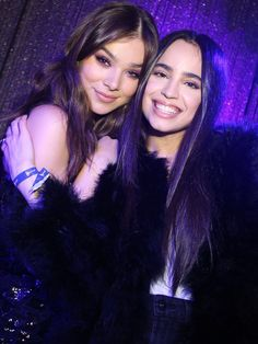 Sofia Carson and Hailee Steinfeld attend the 'Believer' Spirit Day Concert presented by Justin Tranter and GLAAD at Sayer's Club on October 2017 in Los Angeles, California. Justin Tranter, Hailey Steinfeld, Sophia Carson, Mal And Evie, Pitch Perfect, Celebs, Celebrities, Poses, Celebrity Photos