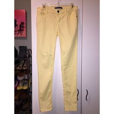 Tinsel - Pastel Yellow SXkinny Jeans -Stretch! Pastel yellow skinny jeans with stretch.  Perfect way to start off spring.  Worn once!  Perfect condition. Tinsel Jeans Skinny