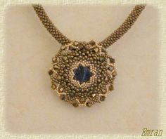 """Pattern bijoux: Pendentif Smyrniote.  Click on the word """"schema"""" under the picture for directions."""