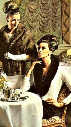 Glamour Girls ♥ 1960. #Vintage #fur . 1960's fashion . http://www.foxandklaff.com/
