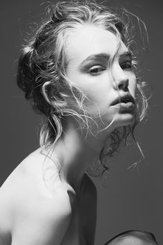 au-fil-de-mes-reves-d-amour: Justin Ridler Photography Marnie Harris, Female Character Inspiration, Img Models, Fashion Face, Wild Hearts, Woman Face, Female Characters, Black And White Photography, Blonde Hair