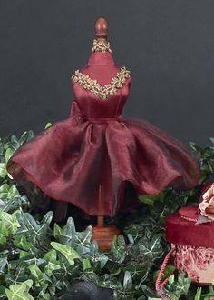 Bearington Bears Red Dress Form Bearington Bears,http://www.amazon.com/dp/B0043LA3N6/ref=cm_sw_r_pi_dp_ZAHktb1S5WKEQ7XV