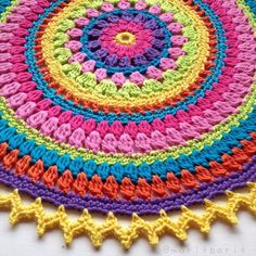 67 Ideas Crochet Pillow Round Pattern Yarns For 2019 Crochet Mandala Pattern, Crochet Motifs, Crochet Chart, Crochet Stitches, Crochet Patterns, Crochet Round, Love Crochet, Crochet Flowers, Crochet Cushions