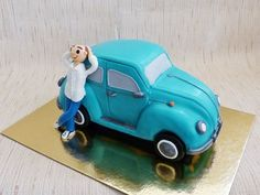 VW beatle  Cake by HaveSomeSugar
