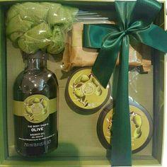 Saya menjual Olive Gift Set Small The Body Shop seharga Rp359.000. Dapatkan produk ini hanya di Shopee! https://shopee.co.id/shaumiiii/192259884/ #ShopeeID