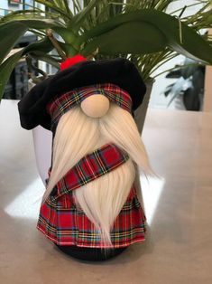Red Stewart Royal Tartan Scottish inspired Nordic style Gnome with handmade kilt and Tam-O-Shanter with pom-pom! Can be personalized! Christmas Gnome, Rustic Christmas, Christmas Projects, Scandinavian Gnomes, Scandinavian Christmas, Tam O' Shanter, Gnome Ornaments, Primitive Ornaments, Tartan Fabric