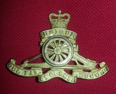 Royal Artillery Officers Gilt QC cap badge