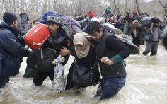 Συγκλονιστικές φωτογραφίες του Reuters -H μεγάλη «απόδραση» των προσφύγων από την Ειδομένη [εικόνες] | iefimerida.gr