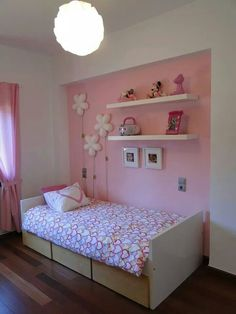 Decoración para niñas Bedroom Wall Colors, Small Room Bedroom, Baby Bedroom, Girls Bedroom, Indian Bedroom Decor, Family Room Walls, Cool Kids Rooms, Small Bedroom Designs, Kids Room Design