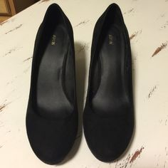 Apt. 9 black wedges size 8.5 Cute and comfy! Suede black Apt. 9 Shoes Wedges
