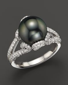 18k White Gold Tahitian Cultured Pearl And Diamond Ring