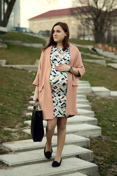 Maternity style, pregnant fashion