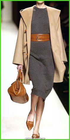 If you're looking to revamp your work wardrobe, investing in a statement belt an. If you're looking to revamp your work wardrobe, . Work Fashion, Runway Fashion, Womens Fashion, Fashion Trends, Trendy Fashion, 40s Fashion, Fashion Design, Mode Outfits, Winter Outfits