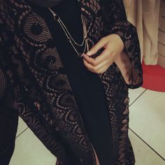 IG: Beautiifulinblack    Modern Abaya Fashion
