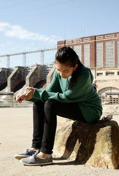 Everyday Casual / Fall Outfit Idea : Emerald Green Sweater / Black Jeans