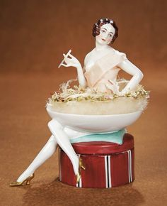 """German Porcelain Powder Dish with Half Doll """"Lady with Cigarette"""" by Dressel Kister 1100/1500"""