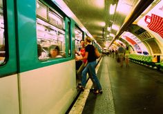Master the French subway related vocabulary and practice your French with some tips in French with an English translation.