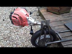 Hulajnoga spalinowa z silnikiem od kosy TEST 가솔린 스쿠터 - YouTube Bicycle Engine Kit, Bicycle Crafts, Bike Cart, Gas Scooter, Welding Art Projects, Boat Restoration, Motorised Bike, Reverse Trike, Pedal Cars