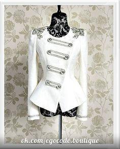Пиджаки Болеро - молодежный короткий белый пиджак с погонами
