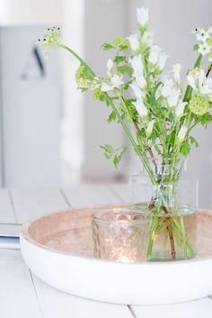 #flowers Flower Power, Decor Styles, Outdoor Living, Glass Vase, Sweet Home, Tray, Happiness, Candles, Table Decorations