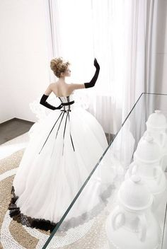 L<3ve this black & white ball gown!!