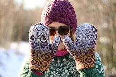 Ravelry: Project Gallery for Fiddlehead Mittens pattern by Adrian Bizilia