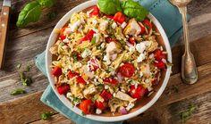 Σαλάτα με κριθαράκι, κοτόπουλο και φέτα
